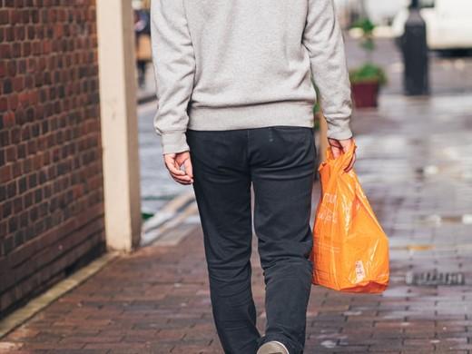 Einkaufstüten: Plastik oder mehrweg?